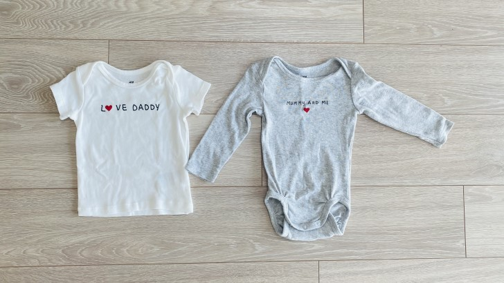 H&MのLOVE DADDy Tシャツ/ MOMMy AND MI ロンパース
