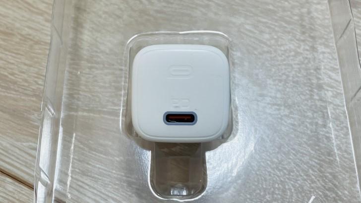 AUKEYの20W USB-C 急速充電器(型番:PA-B1)の外観